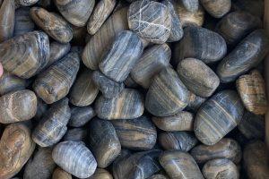 Gludinti akmenukai 3 5cm, marmuras, juodaruda